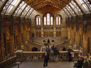 mes de museus